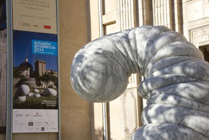 Smörf gigante en la entrada del Museo de Bellas Artes de Valencia
