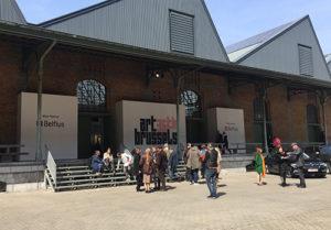 Entrada principal al pavellón de la feria Art Brussels 2017