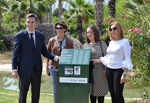Mario Olivares, Ana Serratosa, Gloria Tello y Luz Aguiló, en el acto de donación de las obras a la ciudad