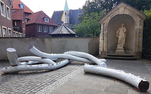 """Escultura de Nairy Baghramian para la última edición de """"Skulptur Projekte Münster"""""""